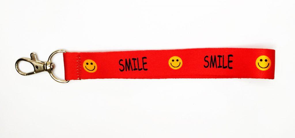 Dây móc khóa SMILE đỏ 2020 1