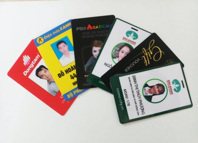 nhận in thẻ đeo nhân viên